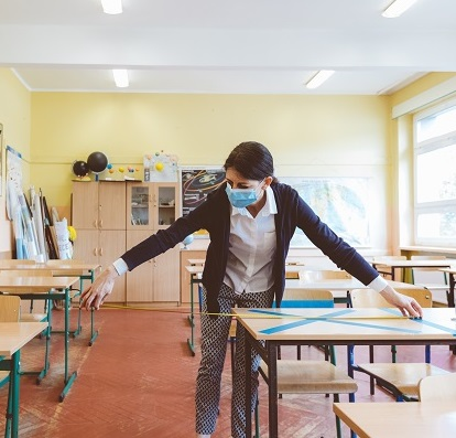 social-distancing-classroom-thumbnail -vertical